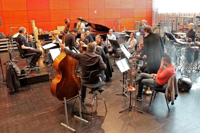 Peter Rundel, Francesco Filidei et Léo Warynski avec le Remix Ensemble.