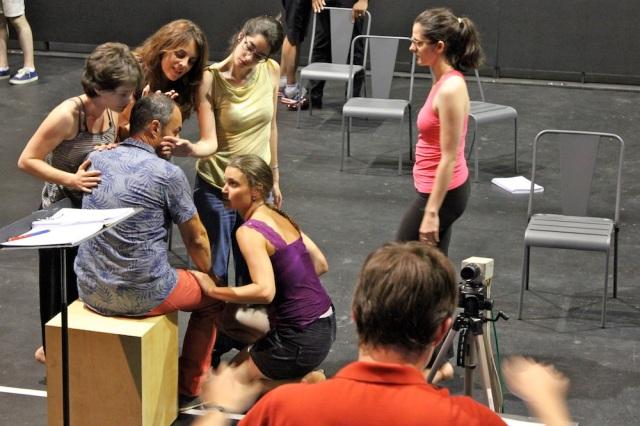 Eléonore Lemaire, Johanne Cassar, Raquel Camarinha, Lorraine Tisserant, Aurélie Bouglé avec Lionel Peintre et Léo Warynski.