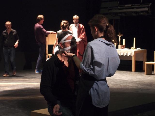 Lionel Peintre (Giordano Bruno) avec Fanny Brouste (costumes)